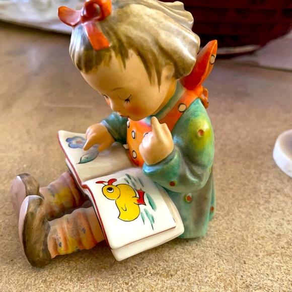 HUMMEL Bookworm GIRL WITH DUCK BOOK